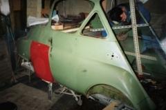 Isetta Nr 1 Motorabdeckung einpassen