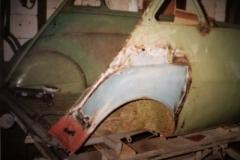 Isetta Nr 1 Kotflügel angebaut