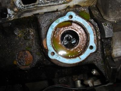 TR7 US Cabrio Motorgehäuse zur Aufnahme der Wasserpumpe